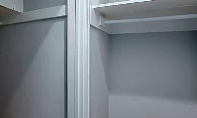 Bathroom, 211 S El Molino Ave, 2