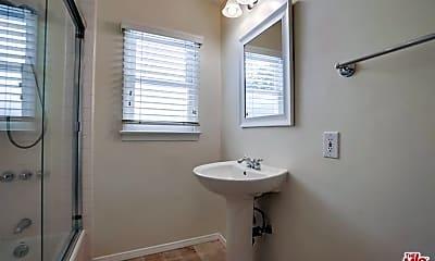 Bathroom, 14930 Hartsook St, 2