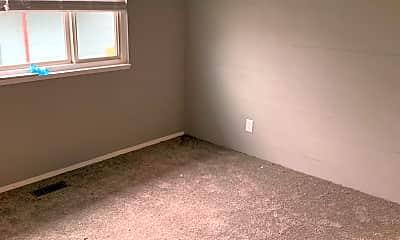 Bedroom, 7423 N Williams Ave, 2