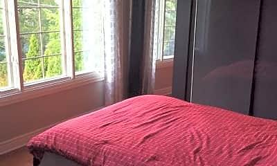 Bedroom, 441 E Washington St, 2