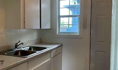 Kitchen, 2803 Carter St, 2