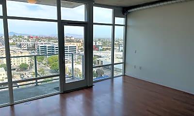 Living Room, 1080 Park Blvd 1114, 1