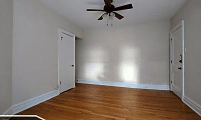 Bedroom, 4721 N Leavitt St, 1