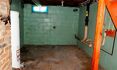 Bathroom, 211 Iona Ave, 2