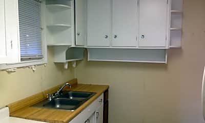 Kitchen, 377 Gilmore St, 2