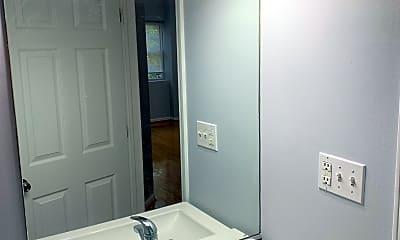 Bathroom, 2326 N Rockwell, 2