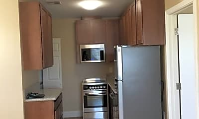 Kitchen, 470 Sunshine Ln, 1