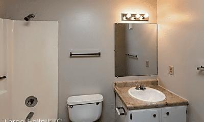 Bathroom, 3600 and 3610 E 6th Street, 2