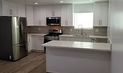 Kitchen, 1228 N Kenmore Ave, 1
