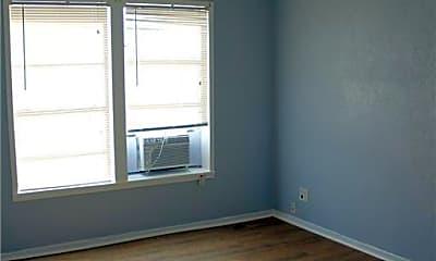 Bedroom, 646 Robinson St, 1