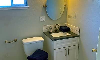 Bathroom, 5314 Market St, 2