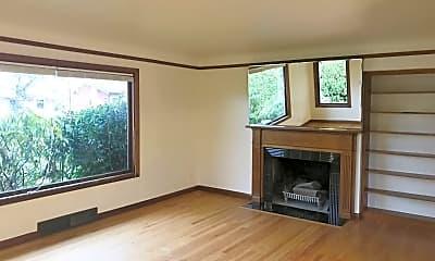Living Room, 5824 NE Davis St, 1