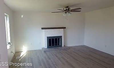Living Room, 1690 W Maple St, 1