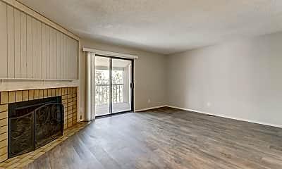 Living Room, 1140 Holli Springs Ln, 1