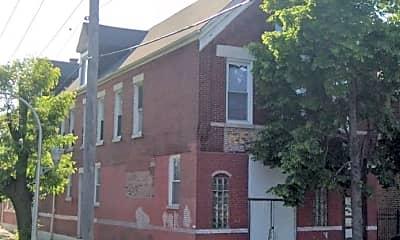 Building, 4558 S Justine St, 2