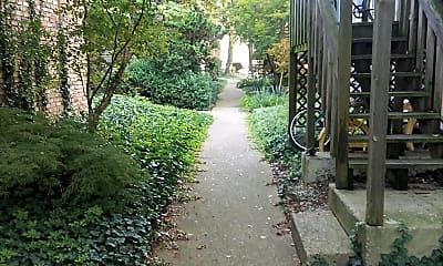 Garden Courts Apartments, 2