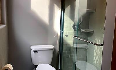 Bathroom, 112 W Washington Blvd, 2