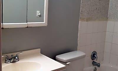 Bathroom, 1850 S Park Ave A-06, 2