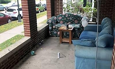 Patio / Deck, 412 N Carroll St, 2