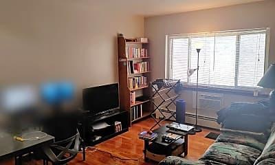 Living Room, 1112 E Knapp St, 1