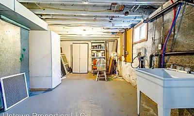 Living Room, 4631 NE 20th Ave, 2