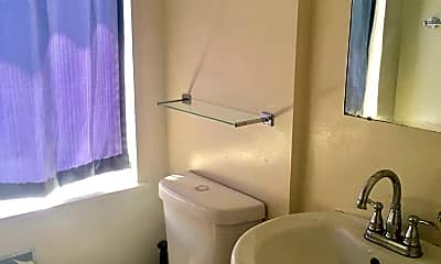 Bathroom, 2515 Dana St, 2