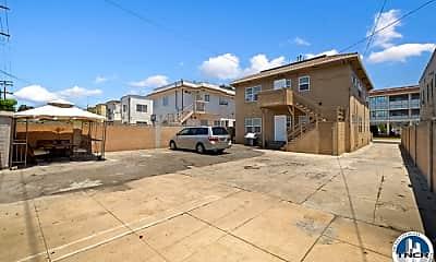 Building, 837 N Heliotrope Dr, 2