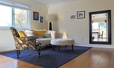 Living Room, 929 Kirts Blvd, 1