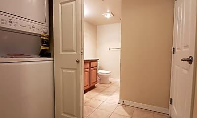 Bathroom, 110 Williams Ave South, 2