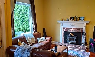 Living Room, 2076 Ponderosa Ct, 1