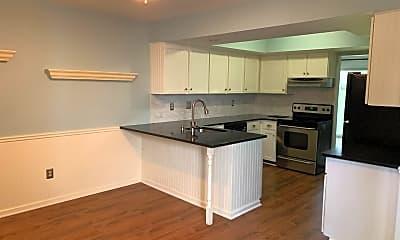 Kitchen, 8 Eton Ct, 1