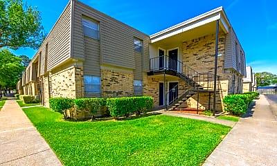 Building, Fox Trail Apartments, 0