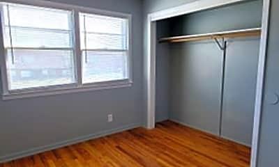 Living Room, 4810 Boyd St, 2