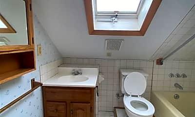 Bathroom, 50 Culvert St, 2
