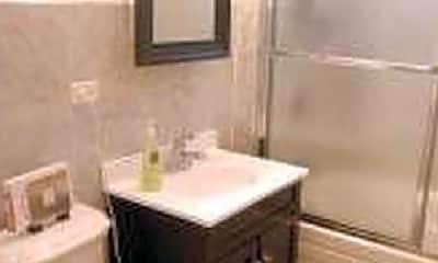 Bathroom, 5034 W Warwick Ave, 1