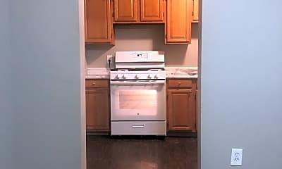 Kitchen, 857 E Walnut St, 0