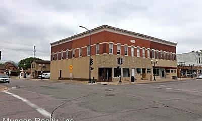 Building, 1230 Caledonia St, 2