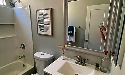 Bathroom, 4615 Utah St, 1