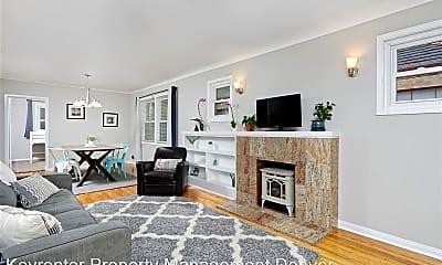 Living Room, 1463 Dahlia St, 1