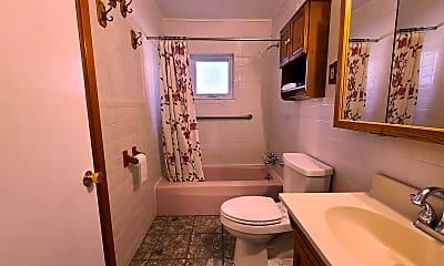 Bathroom, 8361 Oakgren Rd, 2