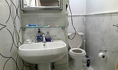 Bathroom, 160 E 99th St, 2