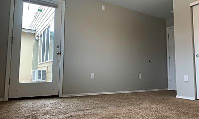 Living Room, 318 NE Roberts Ave, 2