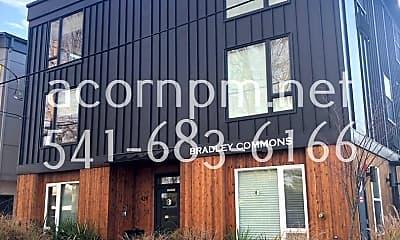 Community Signage, 424 NE Jessup St, 1
