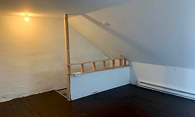 Bathroom, 636 N Lumber St, 2