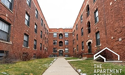 Building, 2890 N Clark St, 1