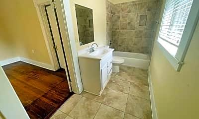 Bathroom, 1301 W 9th St, 2