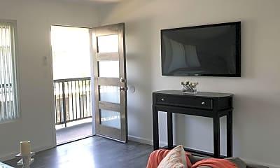 Living Room, 1030 Magnolia Ave, 0
