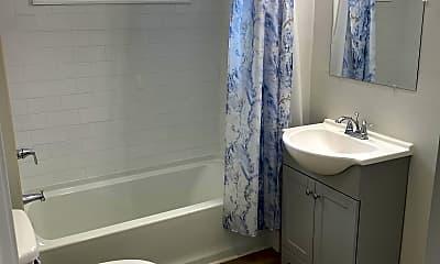 Bathroom, 1444 Union St, 2