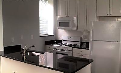 Kitchen, 2445 Lakeview Ave, 1
