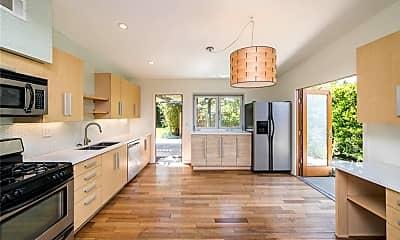 Kitchen, 537 Bernard St B, 0